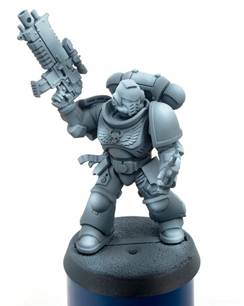 Warcolours Paint Range Review für Miniaturen und Wargames-Modelle - Space Marine 1 - Primer