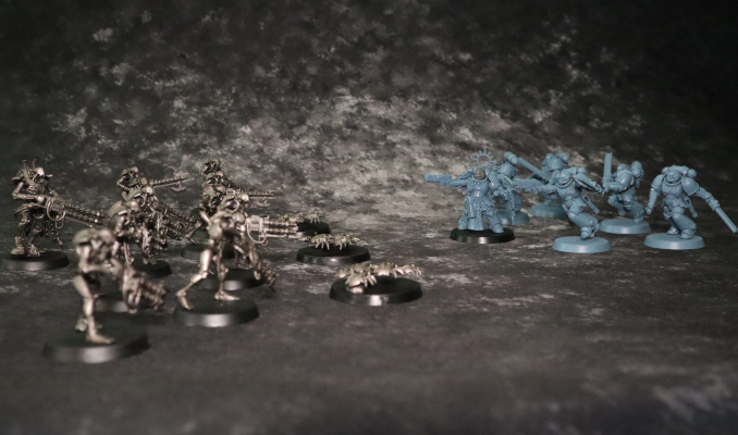 Warhammer 40k Starter Set Action Shot 2
