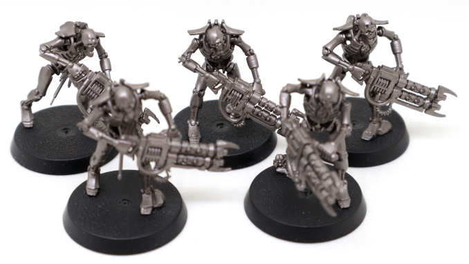 Warhammer 40k-starter-Set-Necron-Warriors-con-Gauss-Reaper